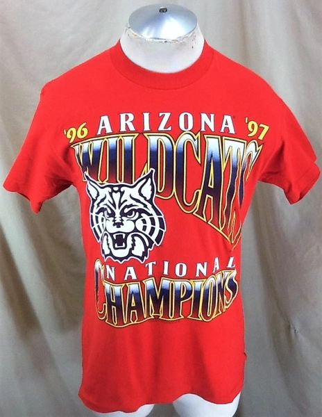"Vintage 1997 Arizona Wildcats ""National Champions"" (Med) Retro NCAA Basketball Graphic T-Shirt Red"