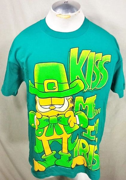 "Vintage Garfield ""Kiss Me, I'm Irish"" (XL) Retro Cartoons Graphic T-Shirt"