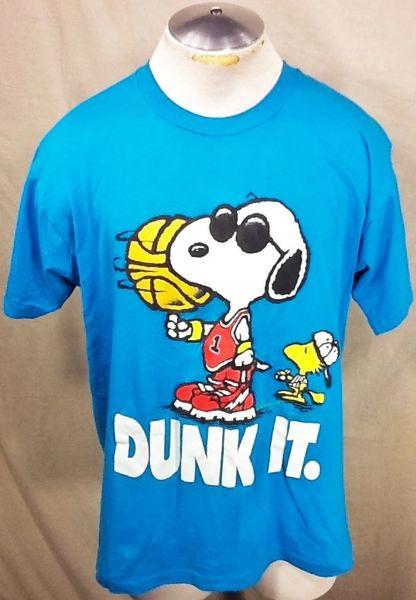 "Vintage 1988 Snoopy & Woodstock ""Dunk It"" (XL) Retro Peanuts Iconic Cartoon Graphic T-Shirt"
