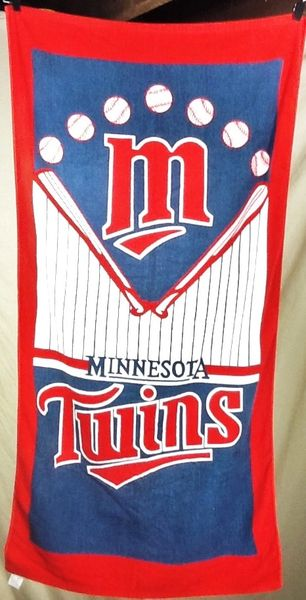 Vintage 90's Minnesota Twins MLB Baseball Club Retro Graphic Beach Towel Wall Art