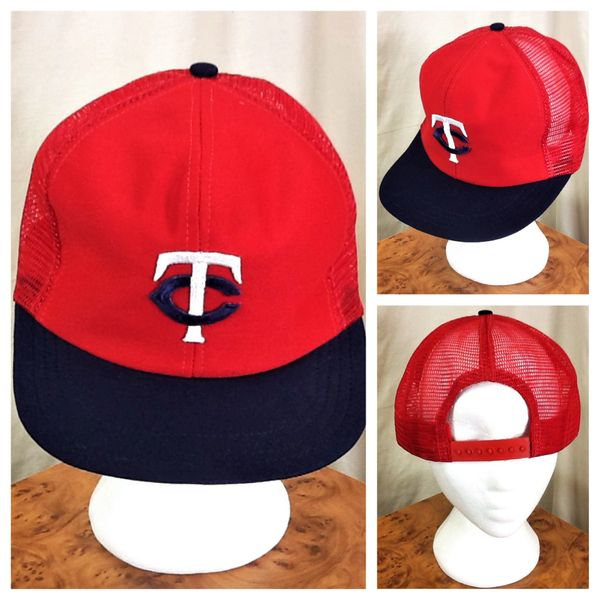 Vintage 1980's Minnesota Twins Retro MLB Baseball Classic Red Snap Back Trucker Hat
