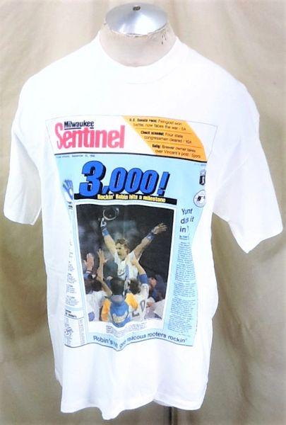 "Vintage 1992 Milwaukee Brewers Robin Yount (XL) Retro MLB Baseball ""3,000 Hits"" Graphic T-Shirt White"