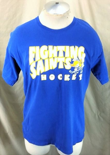 Gildan Minnesota Fighting Saints (Large) Independent Hockey Graphic T-Shirt