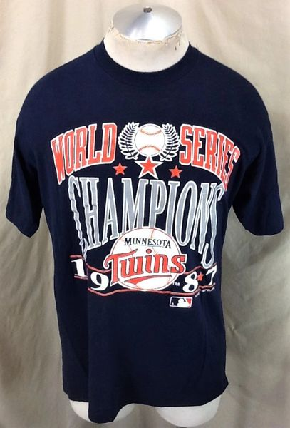"Vintage 1987 Minnesota Twins ""World Series Champs"" (Large) Retro MLB Baseball Graphic T-Shirt"