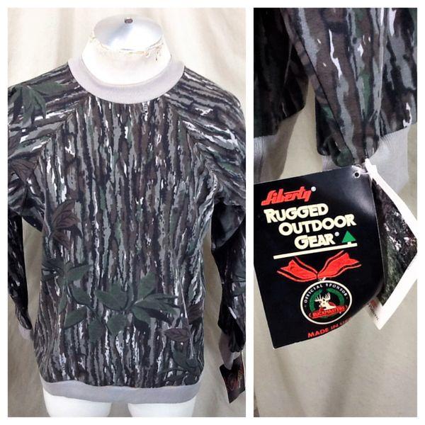 New! Vintage 90's Realtree Hunting Camo (Large) Retro Graphic Tree Bark Style Sweatshirt