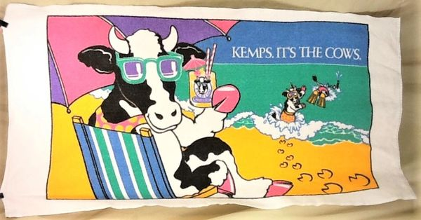 "Vintage 90's Kemps Dairy Producers ""It's The Cows"" Retro Graphic Beach Towel Wall Art"