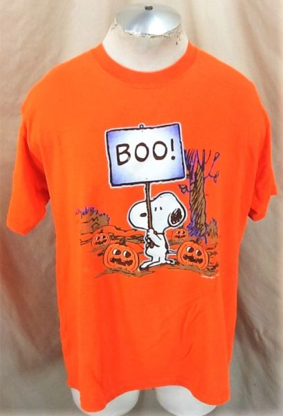 """Vintage Peanuts Collection Snoopy """"Boo"""" (Large) Retro Halloween Graphic T-Shirt"""