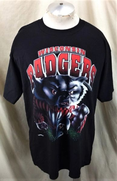 "Vintage 90's Wisconsin Badgers ""Bucky"" (Large/XL) Retro NCAA Graphic Black T-Shirt"