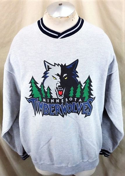 Vintage Minnesota Timberwolves Basketball Club (XL/2XL) Retro NBA Wolves Graphic Sweatshirt