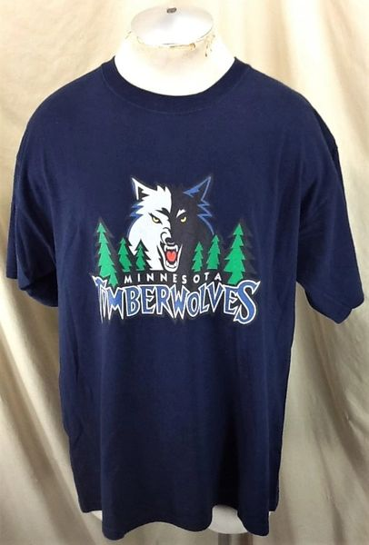 Vintage 2000's Minnesota Timberwolves Basketball (XL/2XL) Retro Wolves NBA Graphic T-Shirt