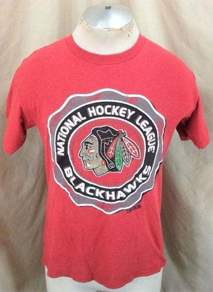 Vintage 90's Chicago Black Hawks Hockey Club (Med) Retro NHL Graphic T-Shirt Red