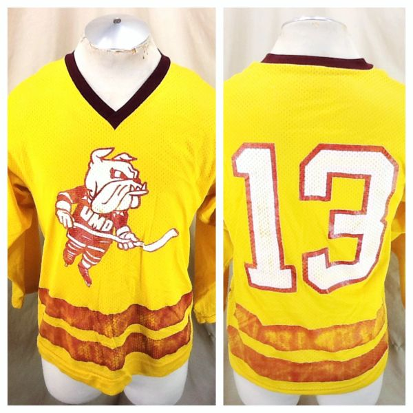 Vintage 80's Duluth Bulldogs Hockey (Med) NCAA Graphic Practice Hockey Jersey Gold