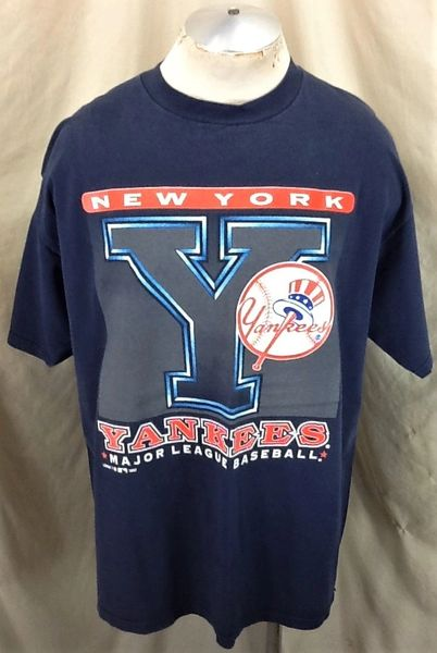 Vintage 1997 New York Yankees Baseball (2XL) Retro MLB Classic Logo Graphic T-Shirt