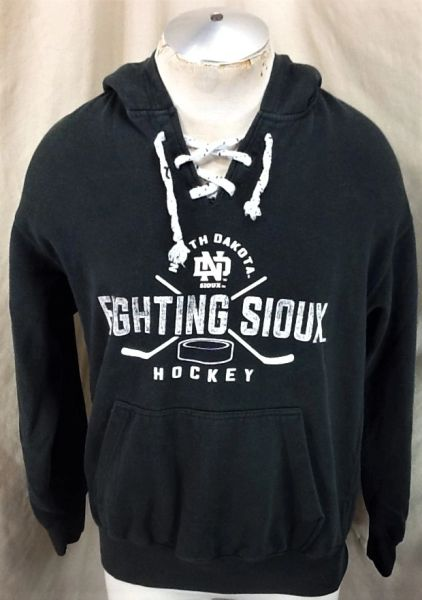 North Dakota Fighting Sioux Hockey (Med) WCHA Pullover Hooded Sweatshirt Brown