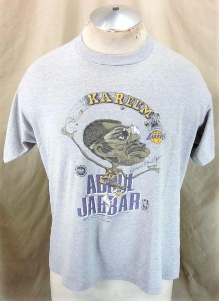 Vintage 1980's Kareem Abdul Jabbar #33 (Large/XL-Short) Retro Los Angeles Lakers Graphic T-Shirt