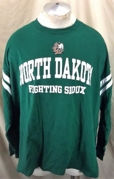 "North Dakota Fighting Sioux ""Team Issue"" (3XL) Retro NCAA Graphic Long Sleeve Shirt"