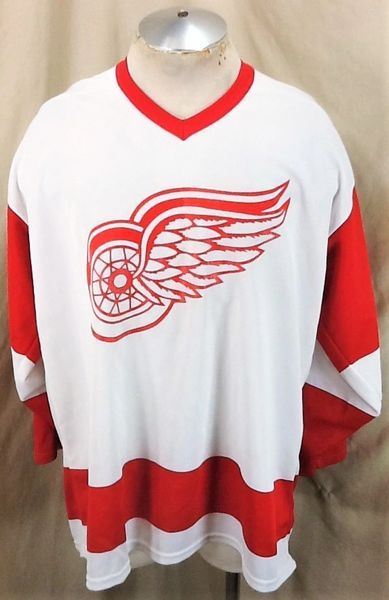 Vintage 90's CCM Detroit Red Wings (XL) Retro NHL Hockey Knit White Road Jersey