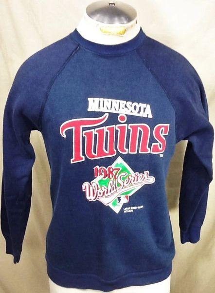 "Vintage 1987 Minnesota Twins ""World Series Champions"" (Med) Retro MLB Crew Neck Sweatshirt"