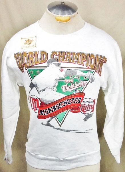 "Vintage 1991 Minnesota Twins ""World Series Champions"" (Small) Retro MLB Baseball Crew Neck Sweatshirt"
