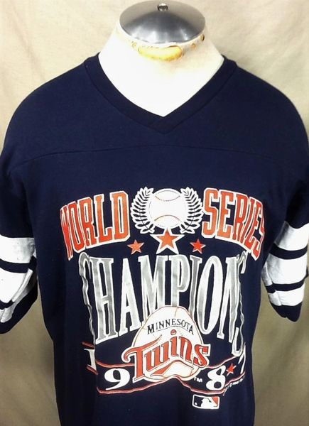 "Vintage 1987 Logo 7 Minnesota Twins ""World Series Champions"" (L/XL) Retro MLB Baseball Graphic T-Shirt"