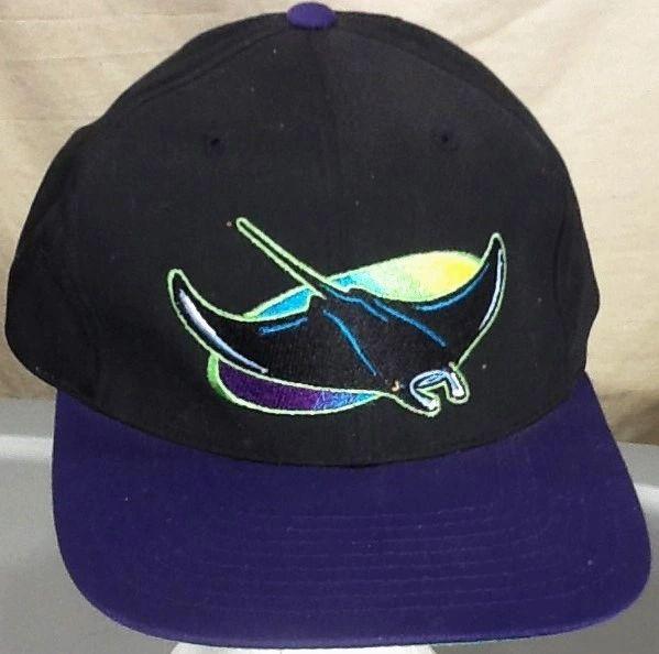 Vintage 90's Tampa Bay Devil Rays Retro MLB Baseball Graphic Snap Back Hat