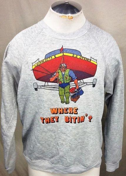 "Vintage 80's Minnesota ""Where They Bitin'?"" (Medium) Retro Crew Neck Graphic Sweatshirt"
