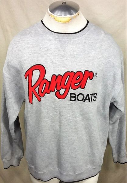 Vintage Ranger Boats Fishing (Large) Retro Long Sleeve Graphic Crew Neck Sweatshirt