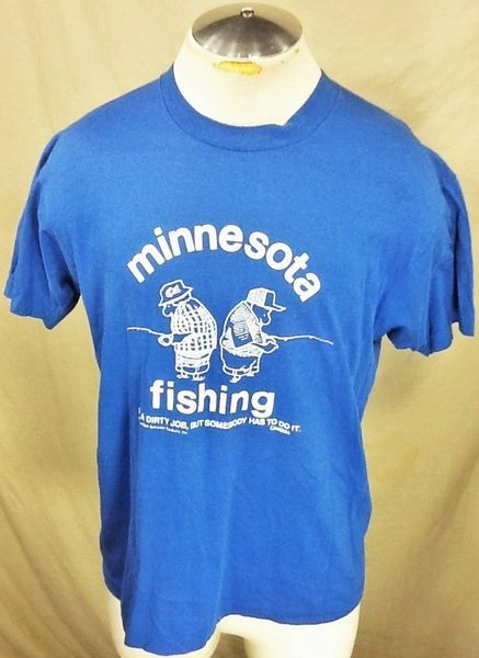 "Vintage 1983 Minnesota Fishing (Large) Retro ""It's A Dirty Job"" Graphic T-Shirt"