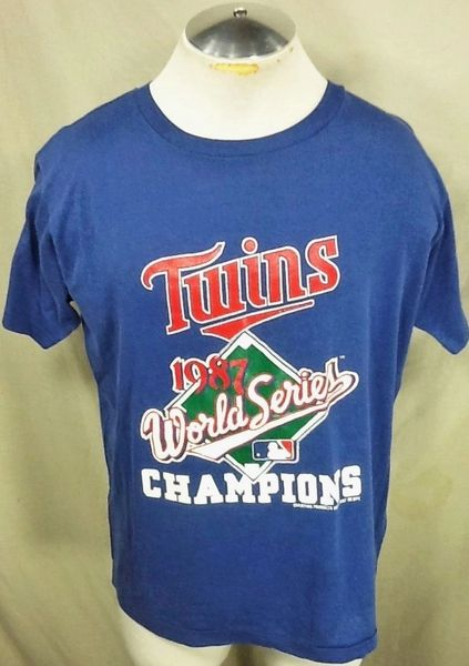 "Vintage 1987 Champion Minnesota Twins (Med/Large) Retro MLB ""World Series Champions"" Graphic T-Shirt"