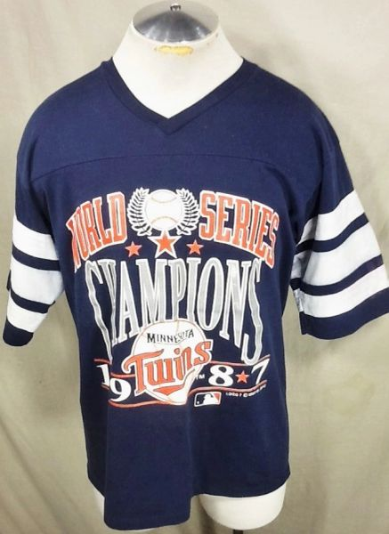 "Vintage 1987 Logo 7 Minnesota Twins Baseball Club (Large) Retro ""World Series Champions"" MLB Graphic T-Shirt"
