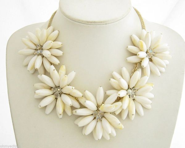 White Floral Bead Necklace