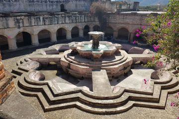 GUATE 4 YOU La Antigua Guatemala walking tour