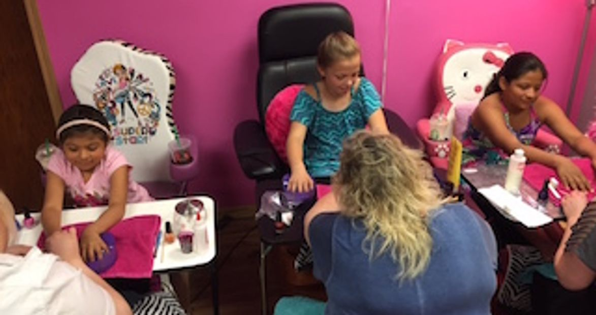 Manicures, Pedicures for a kids fun day out at a salon. Pampering fun spa day in Milwaukee area, WI