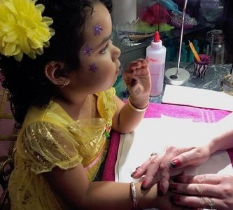 Kids, children, girls manicures, pedicures services in Milwaukee, Waukesha area near me New Berlin.