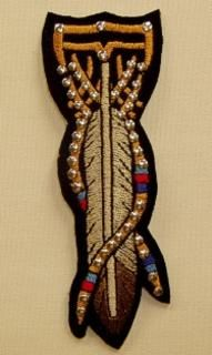 TRIBAL FEATHERS WITH STUDS SMALL