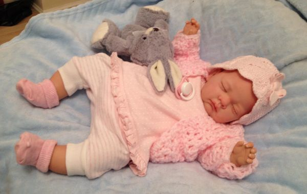 SWEET Fine Delicate Knit Baby Doll Outfit For Reborn or Newborn Infant Baby