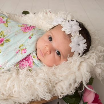 Newborn Photographer, Maternity, Newborn, Family Photographer Dimples and Cheeks Photography