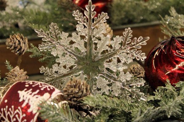 Christmas Ornament Set.6 Acrylic Snowflake Ornament Set Of 2