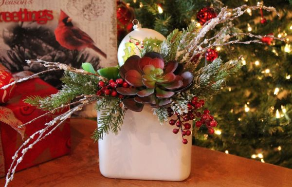 Christmas Succulent Arrangement.Succulent And Berry Floral Arrangement