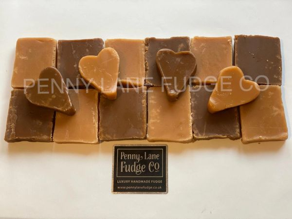 Medium Fudge Heart Gift Box (Gift Wrapped, Gluten Free)
