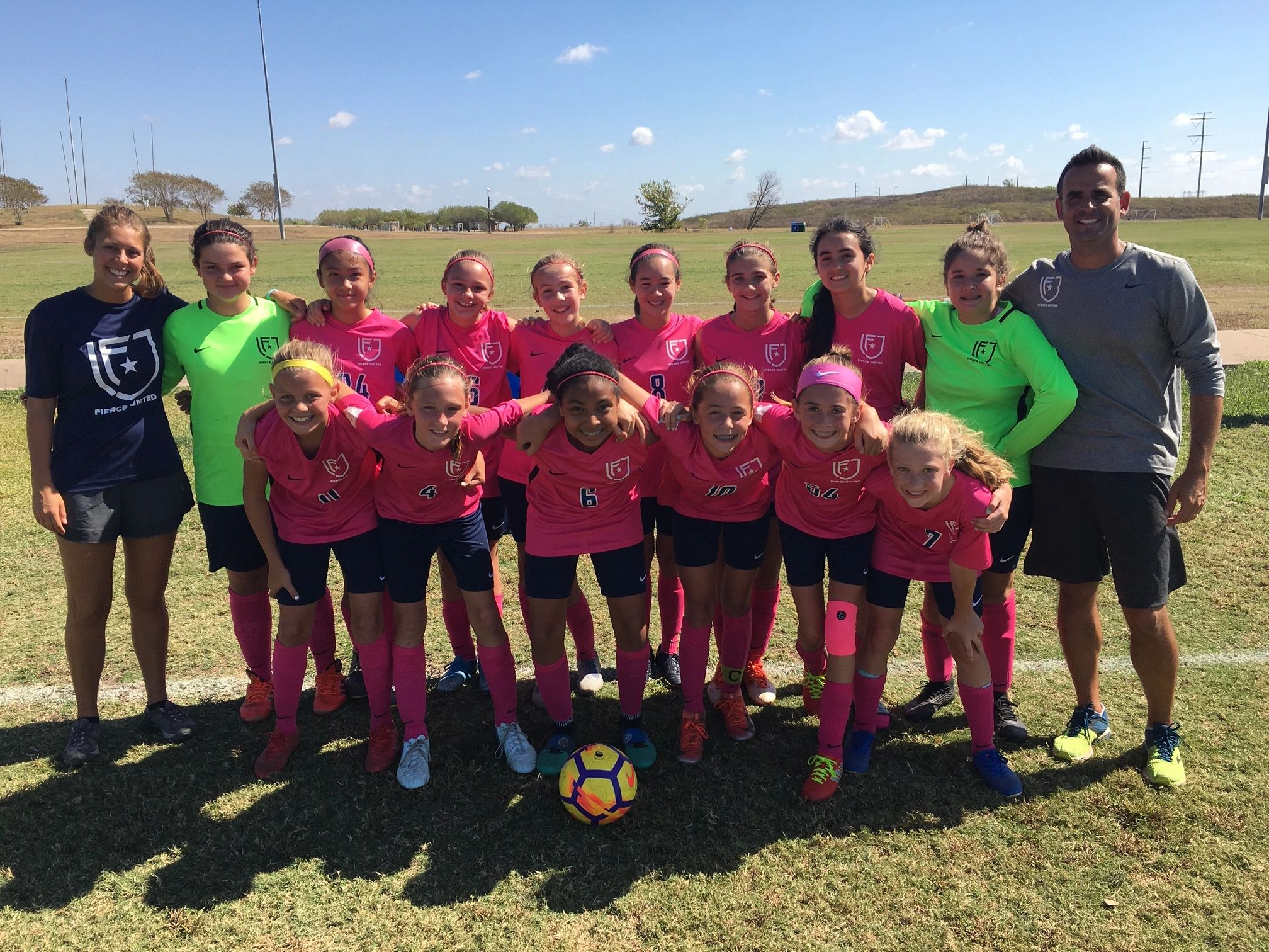 07 girls pose for a picture before a WDDOA matchup against Lonestar