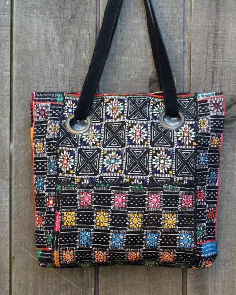 World Finds Tribal Tote
