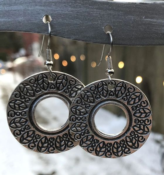 Volare Stamped Silver Earring