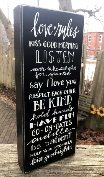 Love Rules Box Sign
