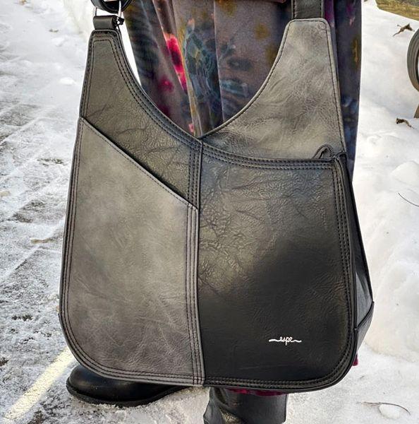 Espe Deluxe Handbag