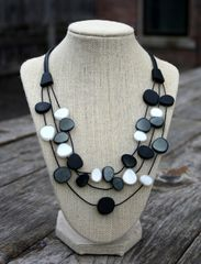 Origins Pebbles B&W Necklace