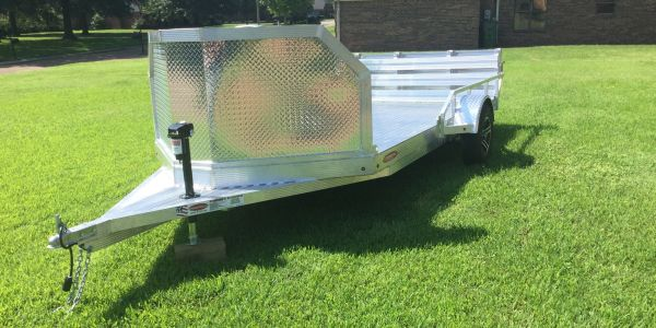 Air Dam Protects From Road Debris Solid floor Utility trailer