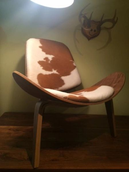 Admirable Hans Wegner Style Cowhide Lounge Chair White Brown Evergreenethics Interior Chair Design Evergreenethicsorg