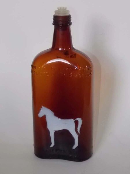 White Horse Distillery Glasgow Scotland embossed brown amber Whiskey Bottle