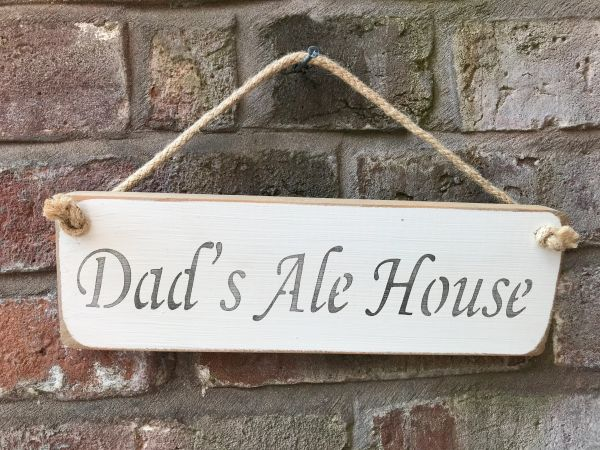 Dad's Ale House Sign